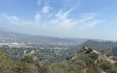 Hiking Bee Rock Trail in Griffith Park